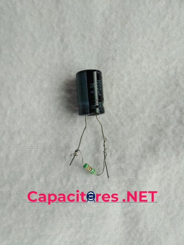 Descargar un capacitor mediante una resistencia