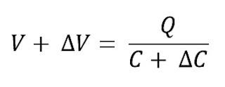 Formula para calcular el voltaje debido a los cambios en la capacitancia